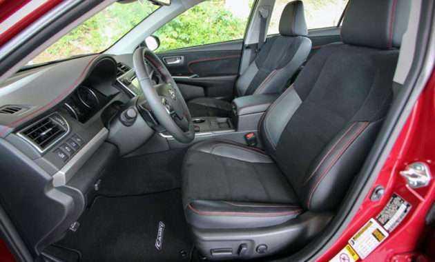 Чехлы на сиденья Тойота Камри