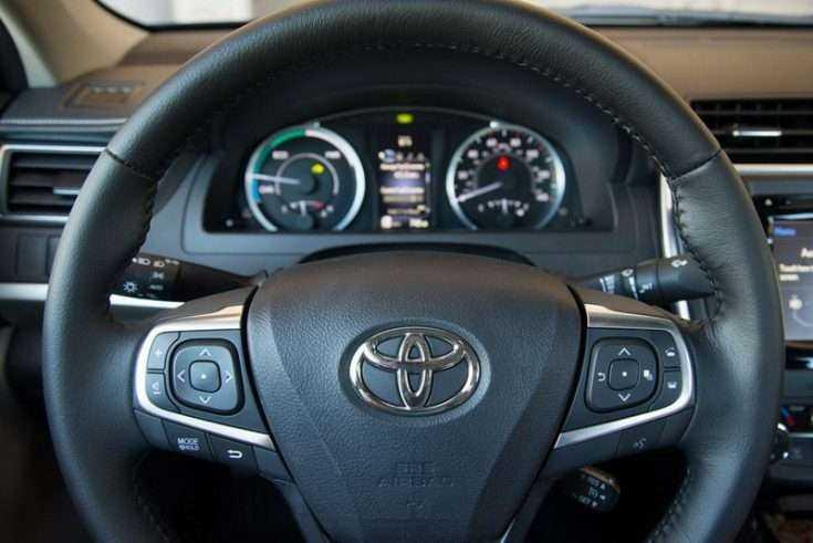 Руль в Toyota Camry