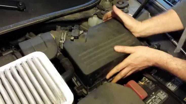 Замена воздушного фильтра Toyota Camry