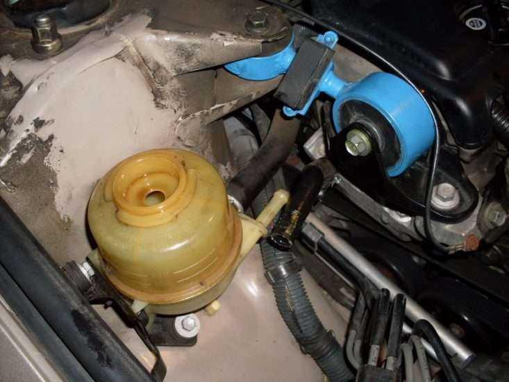 Замена жидкости ГУР Тойота Камри