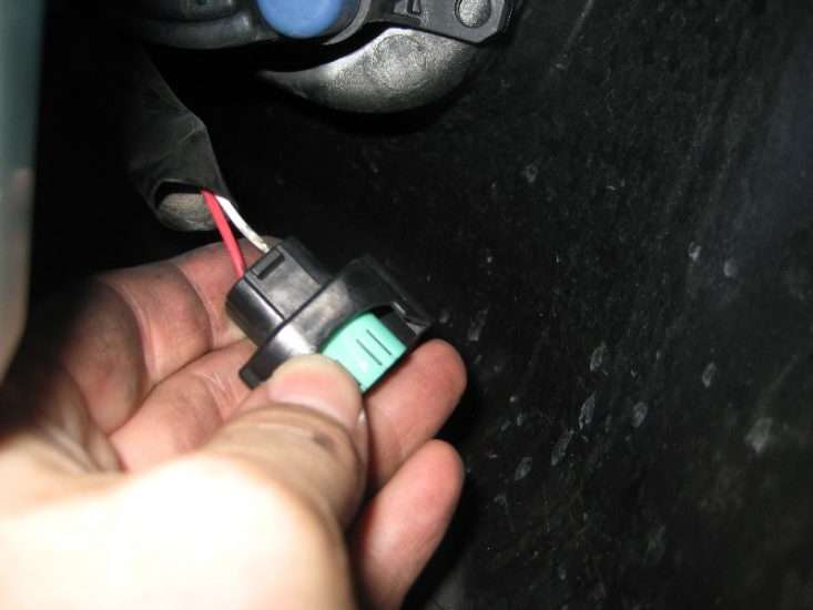 Замена лампы ПТФ на Toyota Camry