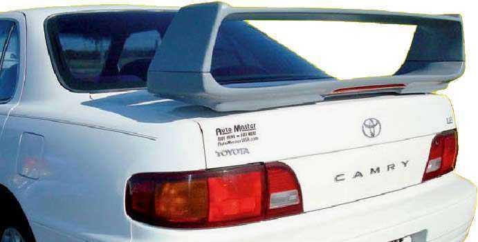 Toyota Camry со спойлером