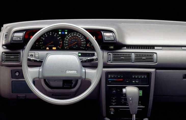 Интерьер Тойота Камри 1991