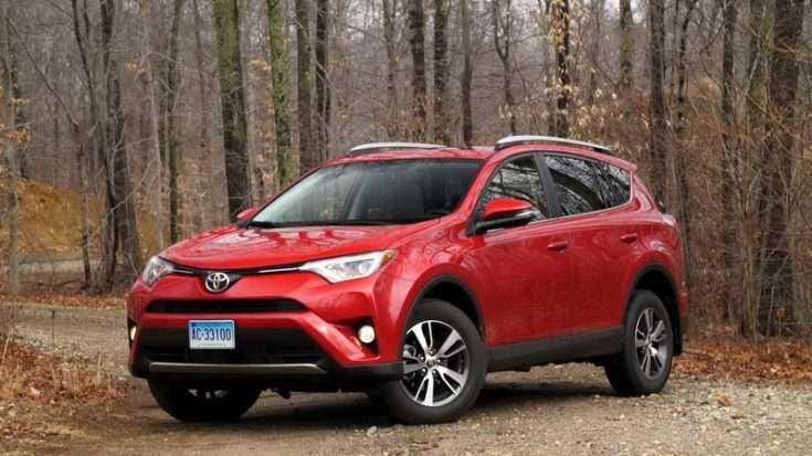 Toyota RAV4 красный