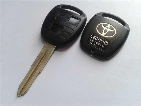 Ключ от Тойота Королла