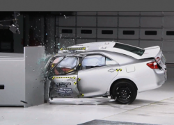 Краш тест Toyota Camry