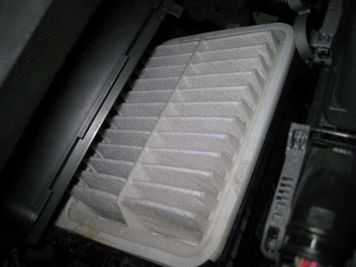 Воздушный фильтр Toyota Corolla