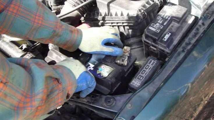Замена АКБ Toyota Corolla