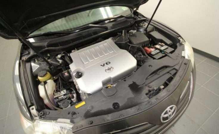 Подкапотное пространство Toyota Camry