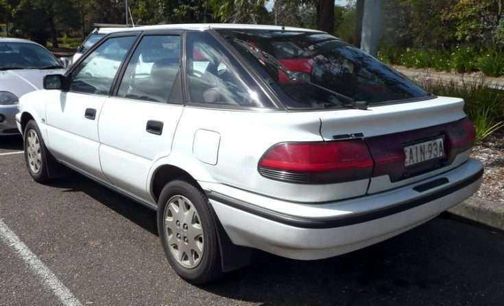 Фото старенькой Toyota Corolla 1989