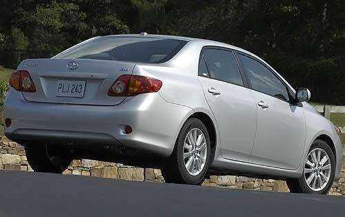 Фотография Тойота Королла 2009 года выпуска