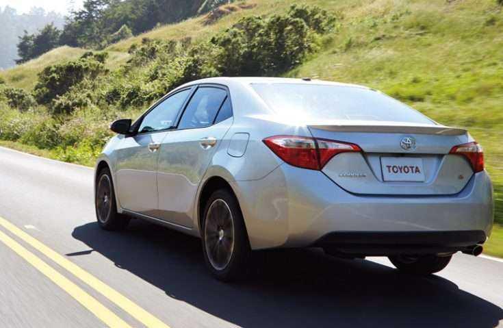 Toyota Corolla в движении
