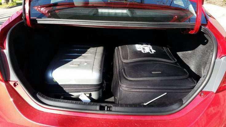 Вместительность багажника Тойота Королла