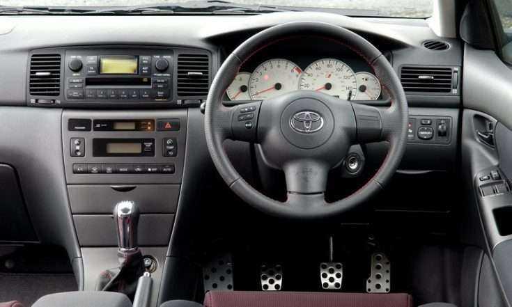 Фото места водителя в Toyota Corolla 2006