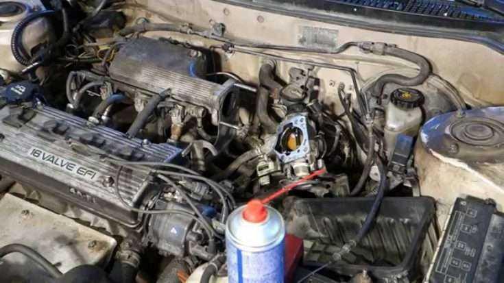 Процесс чистки дроссельной заслонки Toyota Corolla
