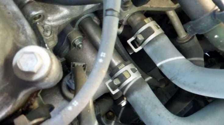 Расположение термостата Toyota Corolla
