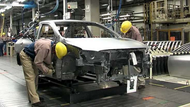 Сборочный цех на заводе Toyota