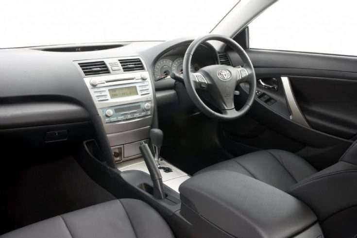Toyota Camry - фотография комплектации Standart