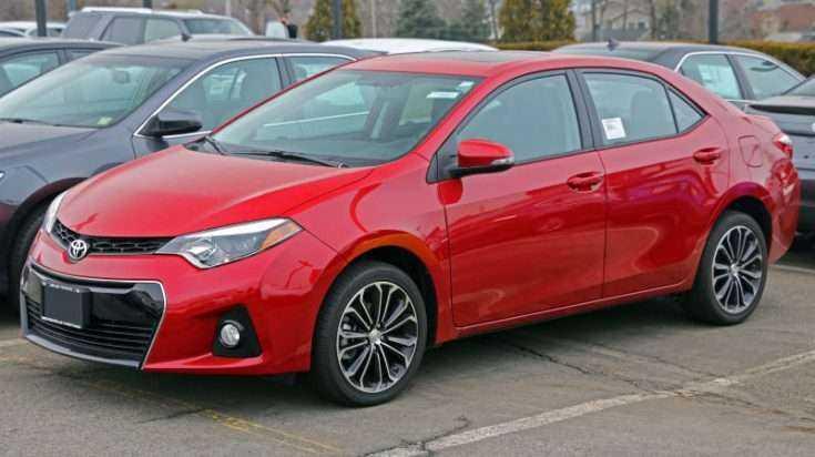 Toyota Corolla E160 красного цвета