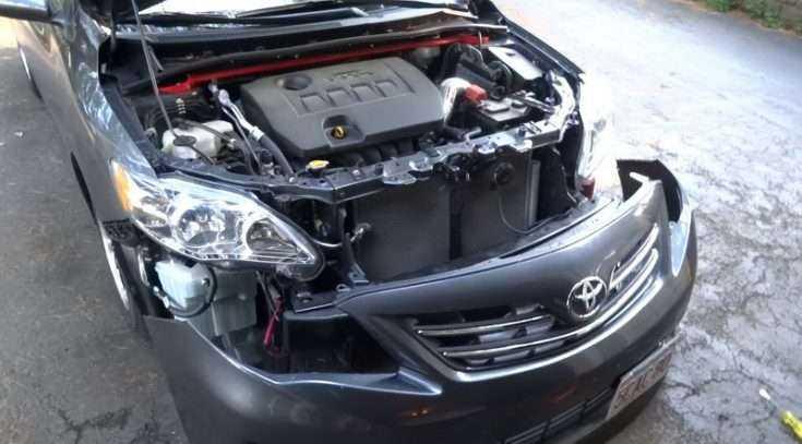 Процесс демонтажа переднего бампера Toyota Corolla