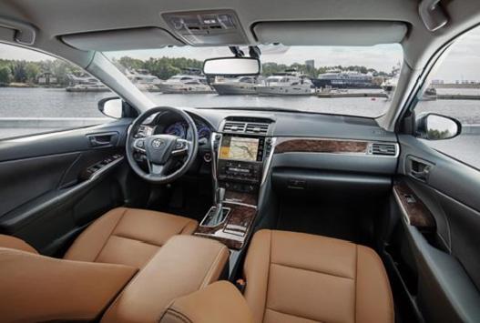 Интерьер комплектации Exclusive Toyota Camry