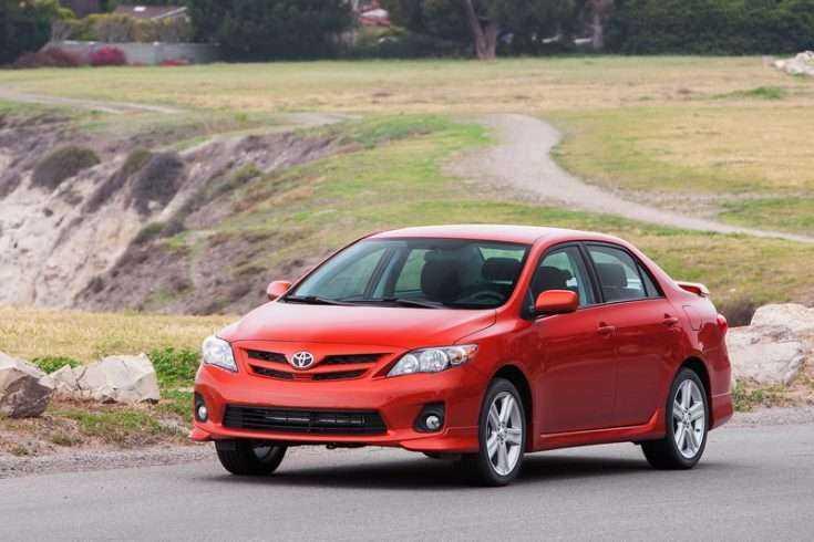 Toyota Corolla 2013 г.в. в движении
