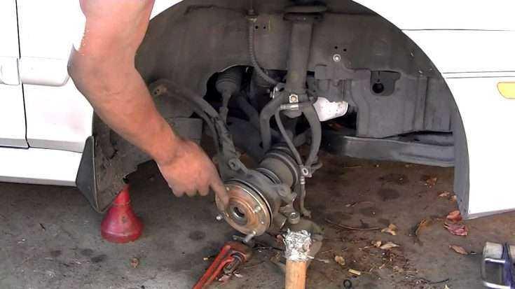 Процесс замены рулевой рейки на Toyota Corolla